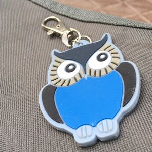 Thirty one owl key fob that twists. So cute